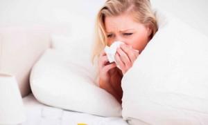 como dormir mejor con un resfriado