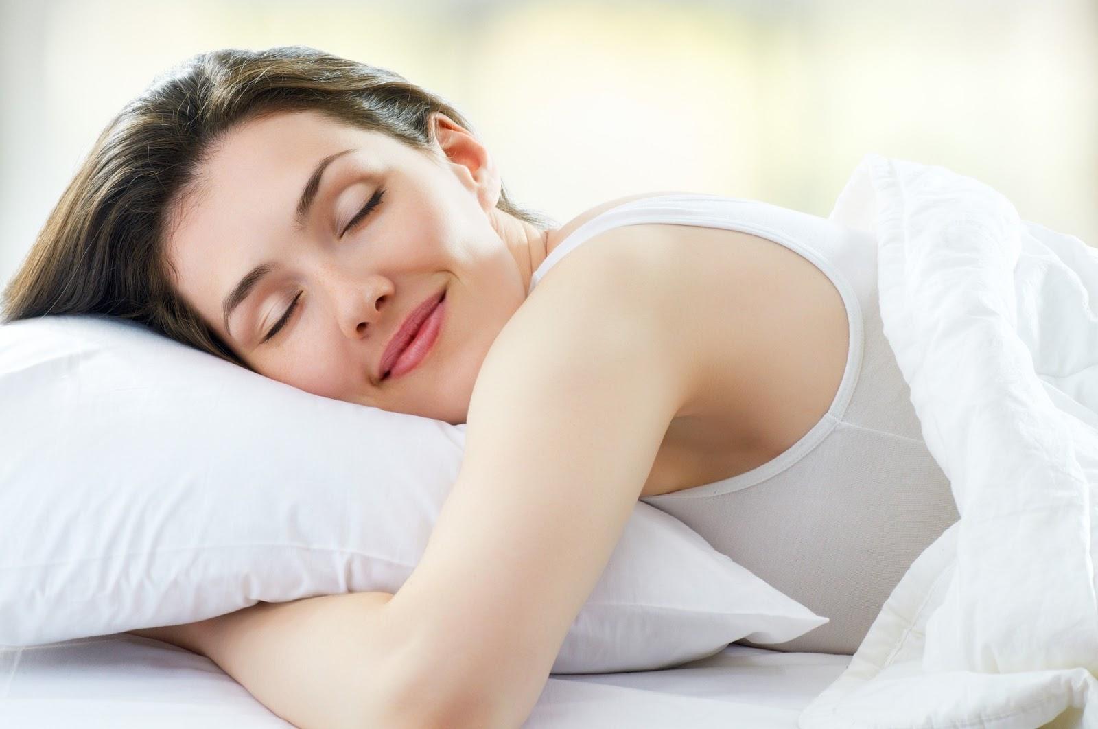 mujer-durmiendo-bien